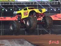 中国汽摩大会开幕!汽车开出高铁速度 两轮着地照样飞驰