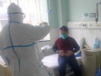 直击武汉救治新型冠状病毒肺炎患者前线