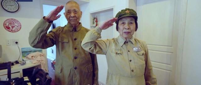 88岁老战士穿上旧军装,这句话真硬气!