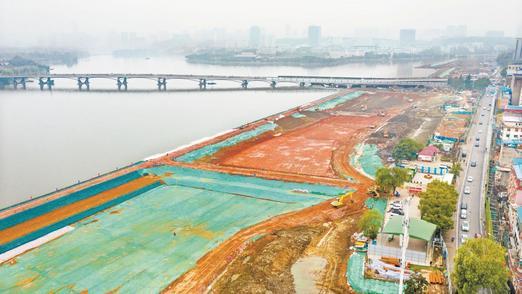 武汉两湖隧道建设正酣