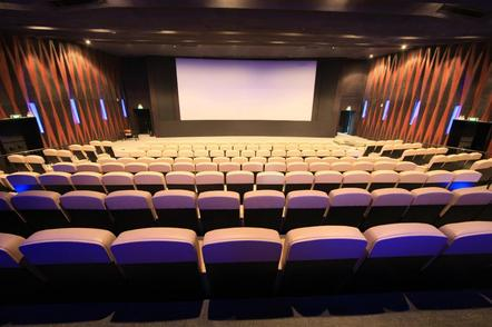 元旦期间电影总票房约13亿元,创下新纪录