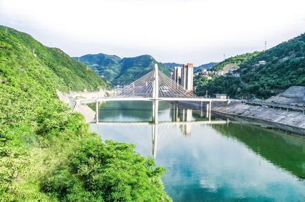湯湯漢水今又是,換了人間 漢江經濟帶發展路徑的鄖西探索