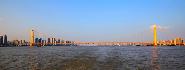 武汉建设工程黄鹤奖颁奖,10项建筑工程获金奖