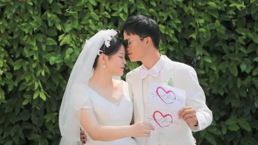 国庆节前新人赶拍婚纱照